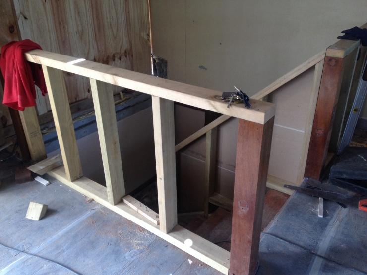 20140821 New balustrade frame