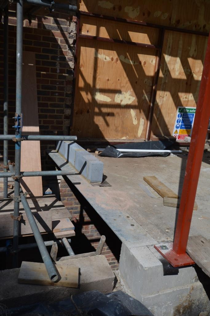 20140823 Undercroft steel and hall corner post